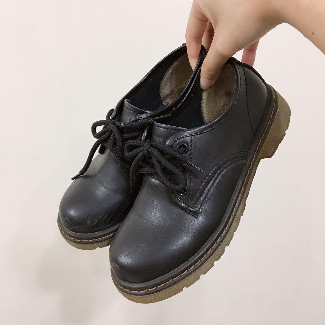 #免費 黑色 圓頭 鞋子