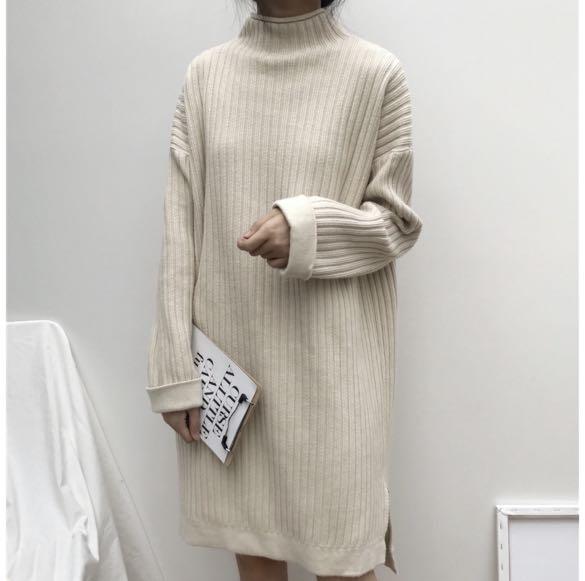 米黃色 秋冬洋裝 毛衣洋裝 素色連衣裙 側面開叉洋裝 #剁手價