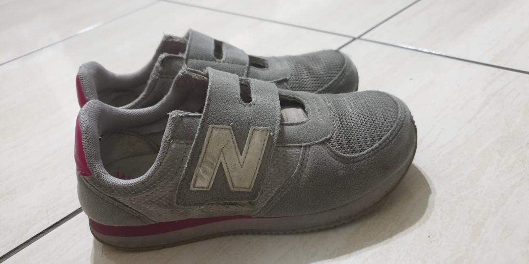 正 new balance 童鞋
