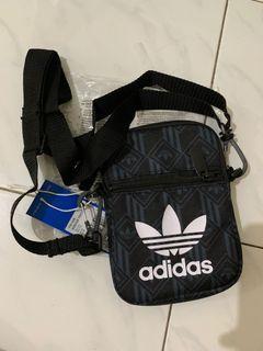 Adidas Sling Bag original Monogram Festival Bag multicolor 500 BNIB