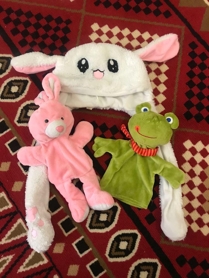 Boneka Tangan dan Topi Kelinci