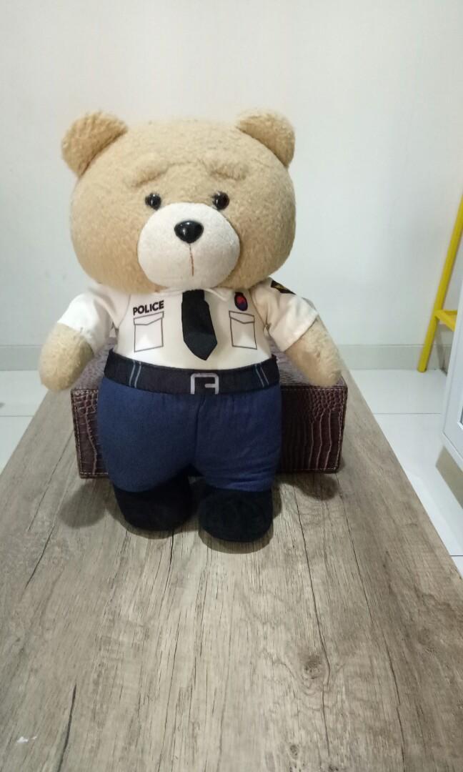 boneka ted police