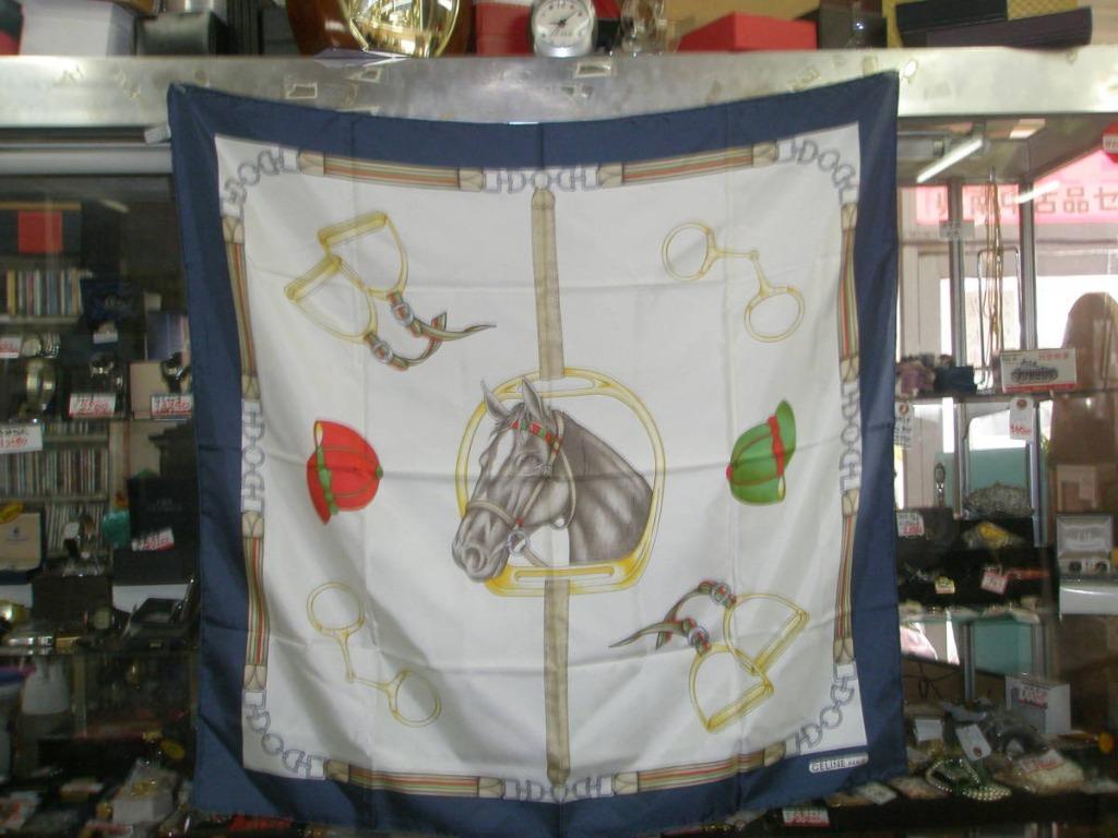 Celine 馬與馬具 海軍藍白底 絲巾 02