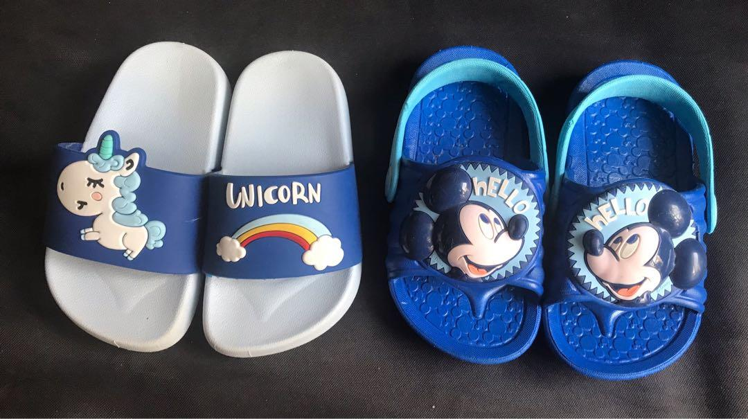 EUC Mickey Mouse / unicorn toddler kids slippers / sandals (US7 / 13cm)