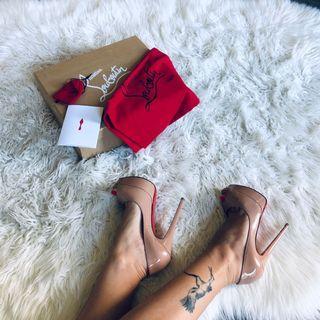 Louboutin Lady Peep nude peep toe pumps 35 / 5