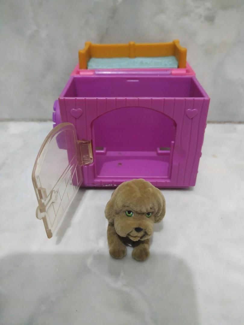 Mainan anak figurine anjing