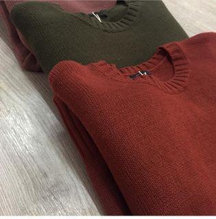 Meier.q針織圓領上衣 紅色針織 紅色短袖上衣 短袖上衣 針織 紅色毛衣 收腰 韓系 韓風 日系 復古 古著 懷舊 修身 顯瘦 厚針織 柔軟舒適 親膚