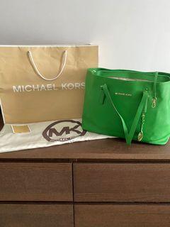 Michael Kors Tote ( Authentic) Big size