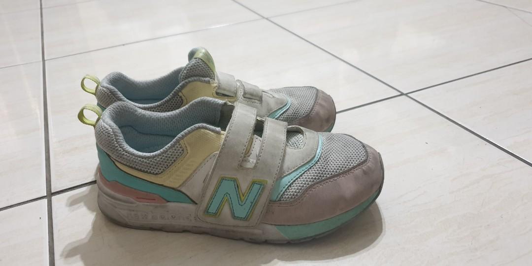 正new  balance 童鞋