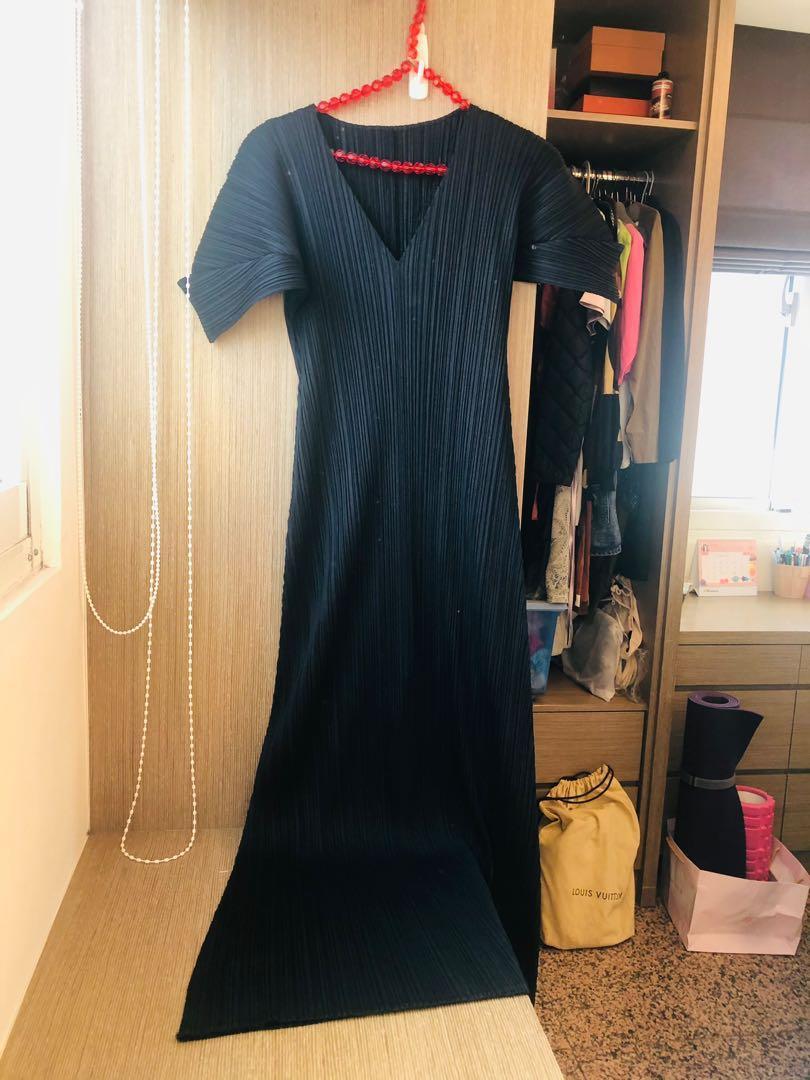 二手正品Pleats please 三宅一生v領長洋裝(3號)近全新有試穿圖