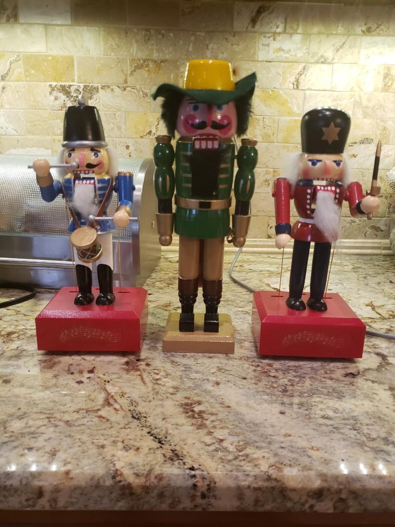 Vintage Wooden Nutcracker Christmas Decoration Wind Up Music Box