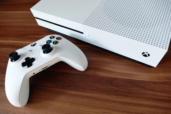 Xbox one s - 1 TB