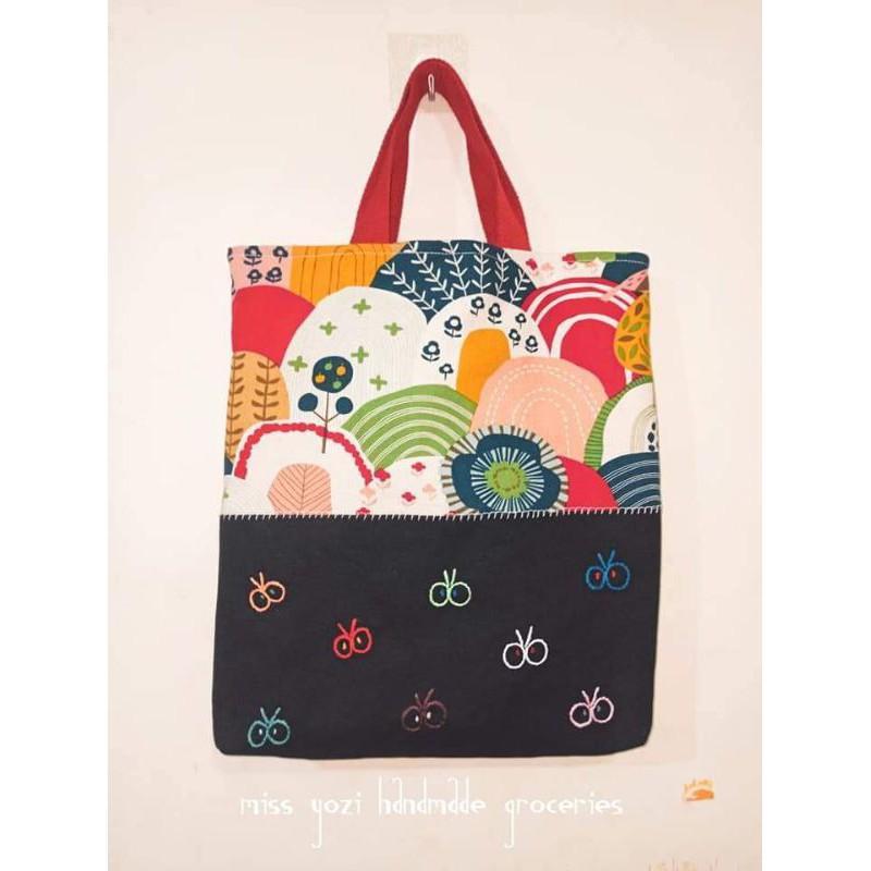 手作 |手縫 |大容量手提袋  |幾何山形花搭配蝴蝶飛飛 handmade in 🇹🇼