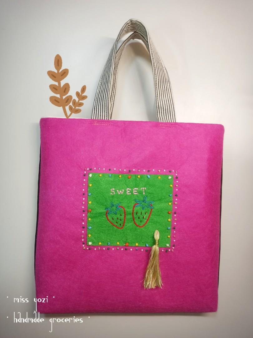 手作  不織布刺繡  方塊提袋  可愛草莓 handmade in 🇹🇼