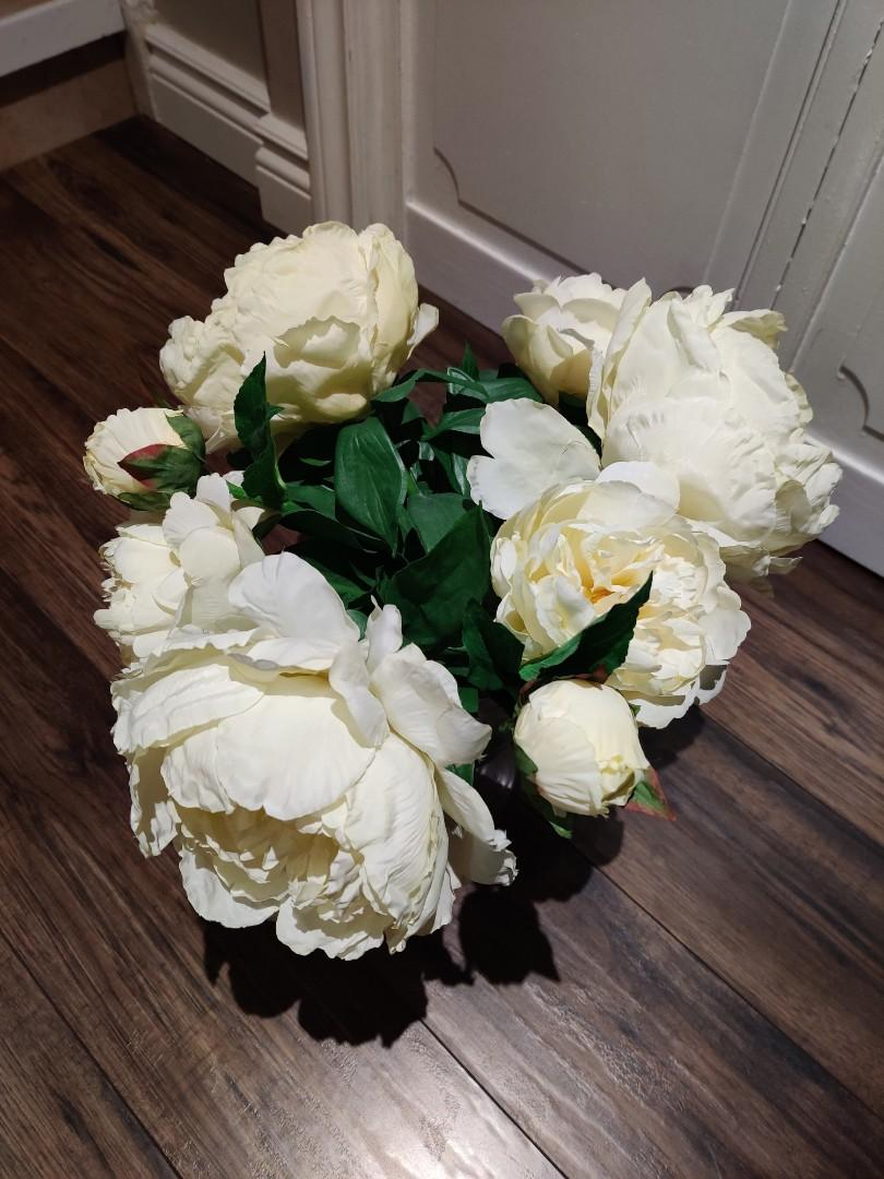Decorative vase with white peonies (artificial)