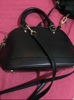 Hand & sling bag woman