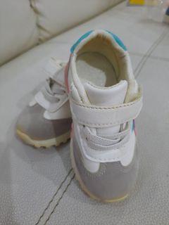 Sepatu anak 1-2tahun