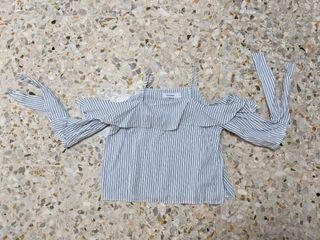 THE EDITOR'S MARKET Striped Off Shoulder Top (SIZE M)