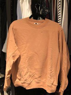 Uniqlo crewneck sweatshirt orange size medium