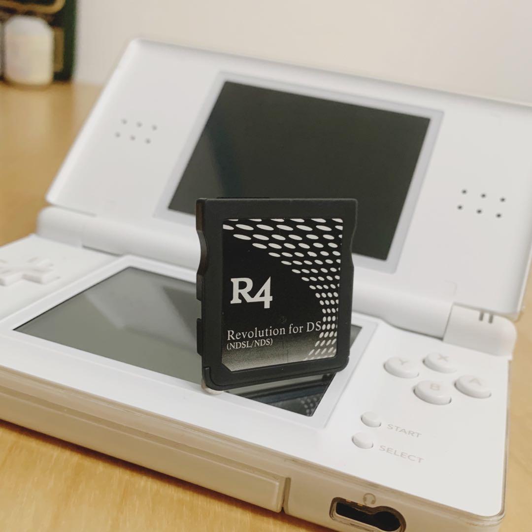 - [ ] NDSL Nintendo DS Lite任天堂 遊戲機 主機 觸控筆 充電器 全白色 貼膜