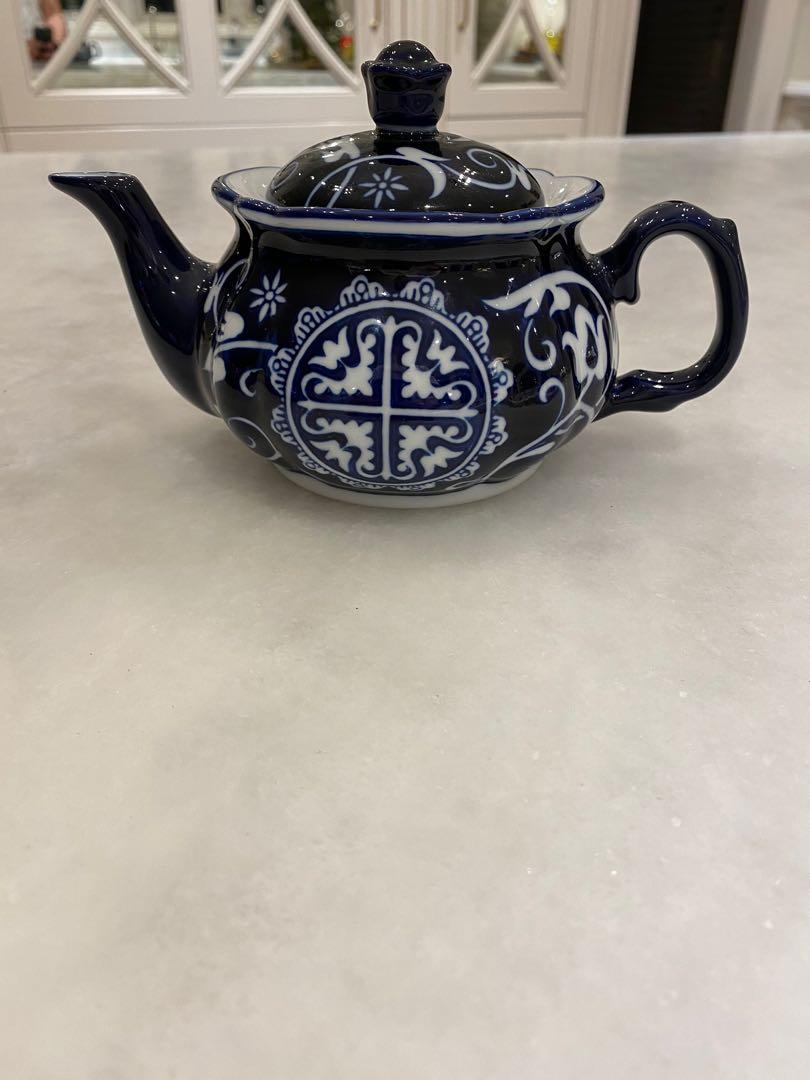 Bombay China Teapot
