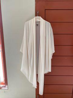 Cream outer (hijab friendly)