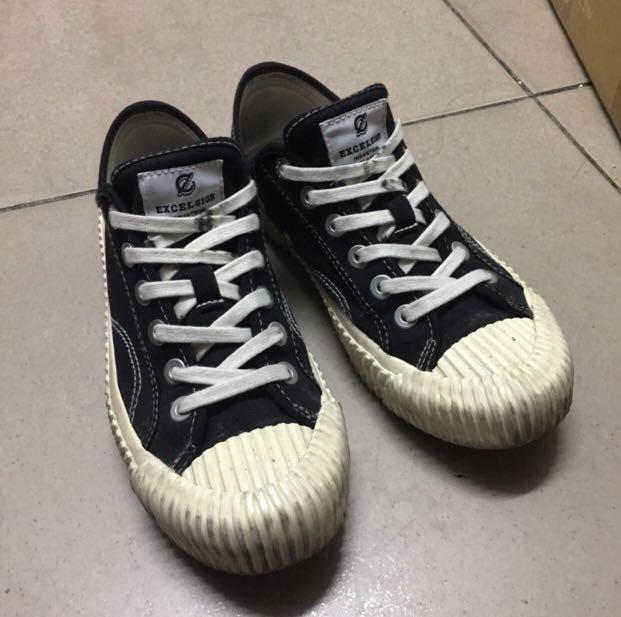 黑色餅乾鞋/excelsior二手出售