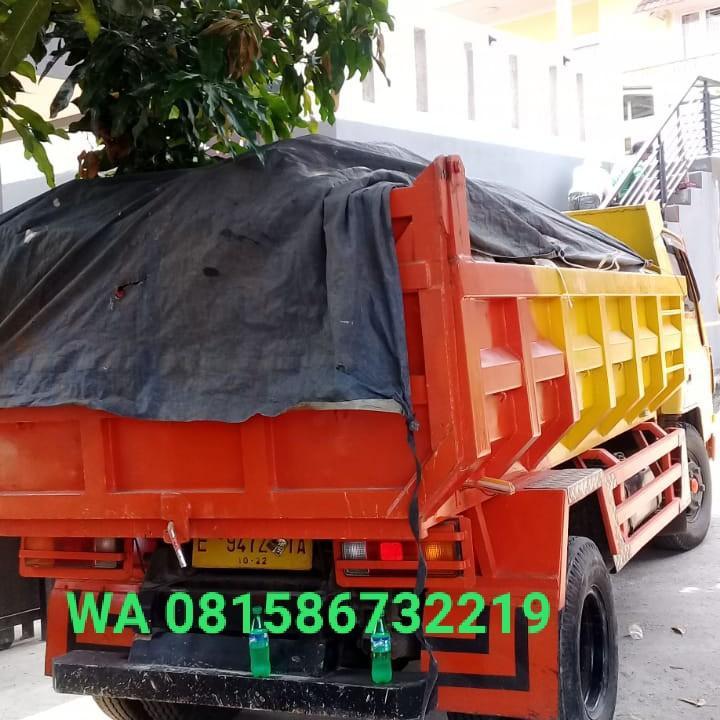 Jasa Tukang Buang Sampah dan Puing-puing bangunan.