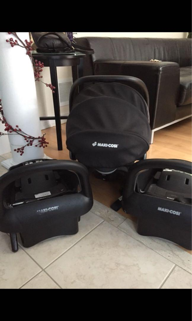 Maxi cost car seat and two bases