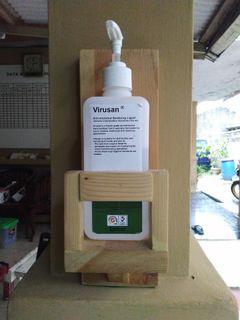 Tempat Hand Sanitizer Kayu