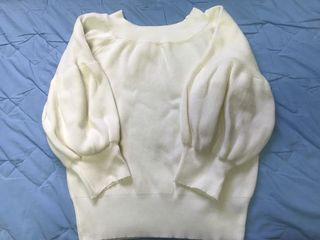 全新 米白泡泡袖針織上衣🦄衣物出清