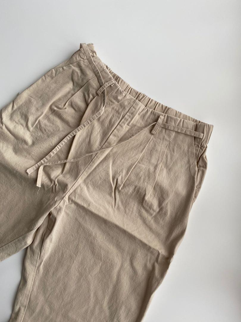 Beige cropped pant size 6-8