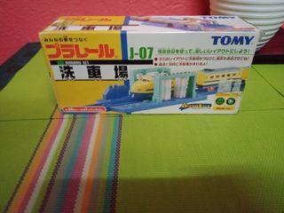 TOMY diorama set