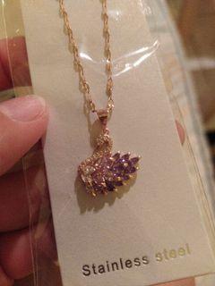 紫色鑽天鵝