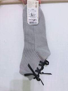 全新 名古屋購入 tutuanna 灰色針織綁帶襪子