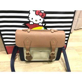 Arnold palmer -Hello Kitty聯名- 劍橋包 Preppy Style / 復古學院-藍色 贈Hello kitty購物袋