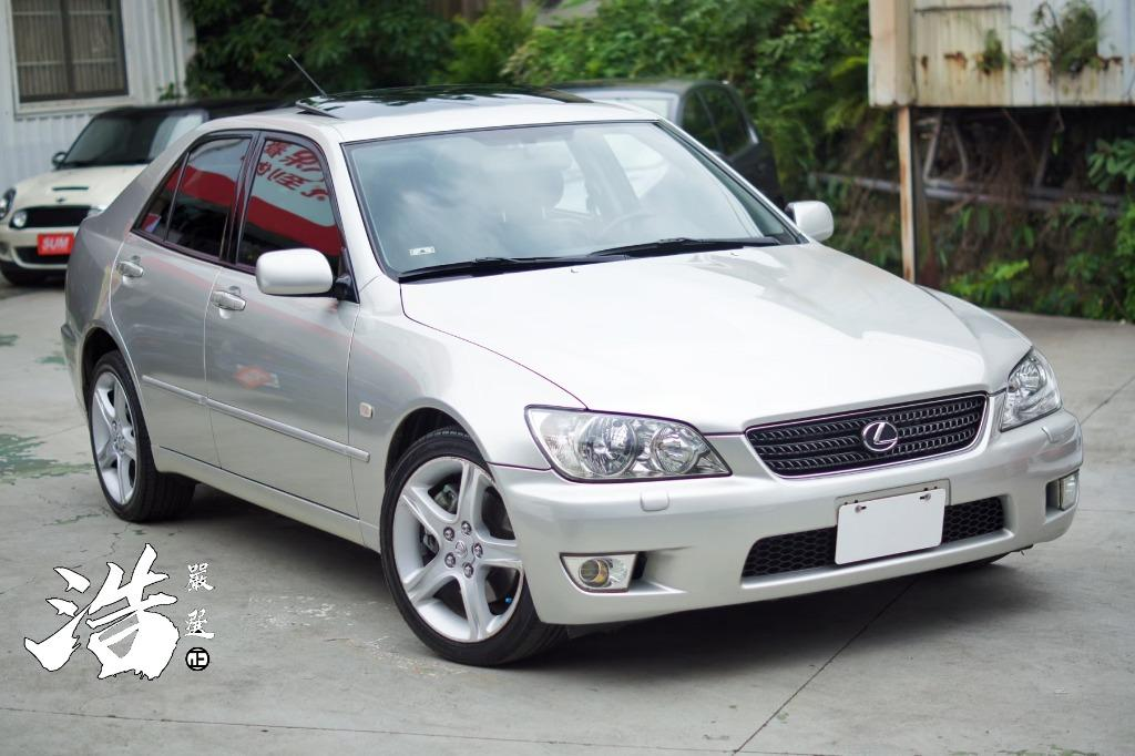 2001年 LEXUS IS300銀