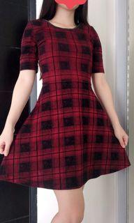 H&M DRESS WARNA MAROON