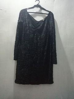 H&M long Sleeves and Vneck Dress