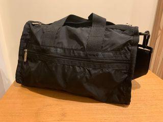 Le Sportsac shoulder bag 黑色斜背包 9成新