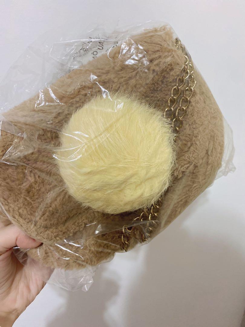 💜免費💜購買賣場任一商品可贈送,毛球鏈條包包▶️保留中◀️