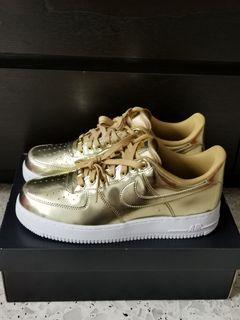 Nike Air Force 1 SP  (Metallic Gold)