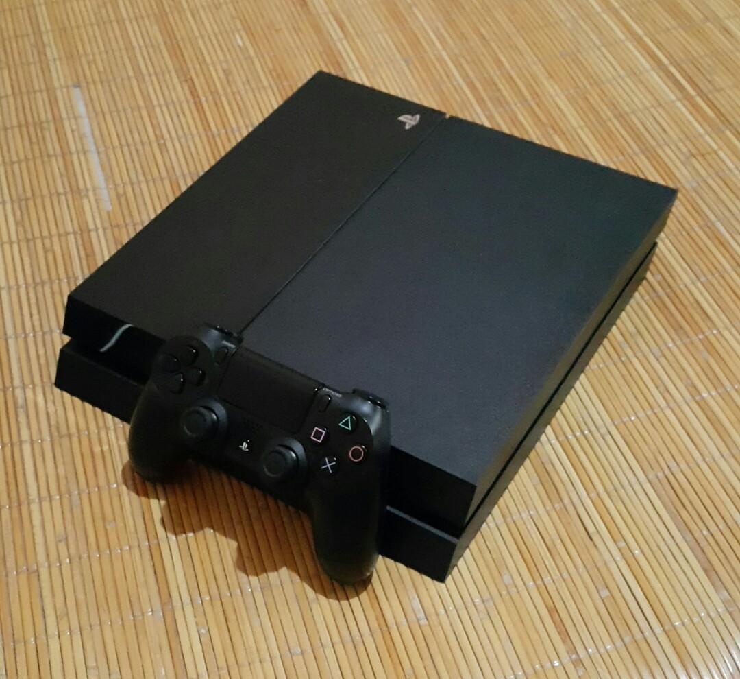 PS4破解主機 6.72 750GB 破解主機  Jailbreak 主機已更換散熱膏 能開金手指  可以玩太空戰士7 重製版(加買第二支二代手把只要500元)