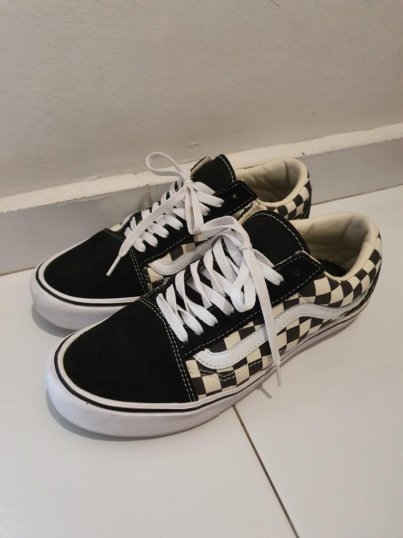 revisión Decano Aliviar  Vans Old Skool Lite Checkerboard, Men's Fashion, Footwear, Sneakers on  Carousell