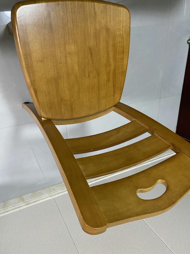 閒置餐桌椅