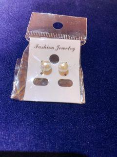 氣質珍珠耳針
