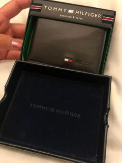 限時特價!! 再賣不出去我要送朋友了 Tommy 正版 男用 短夾 皮夾 真皮 咖啡色 盒裝