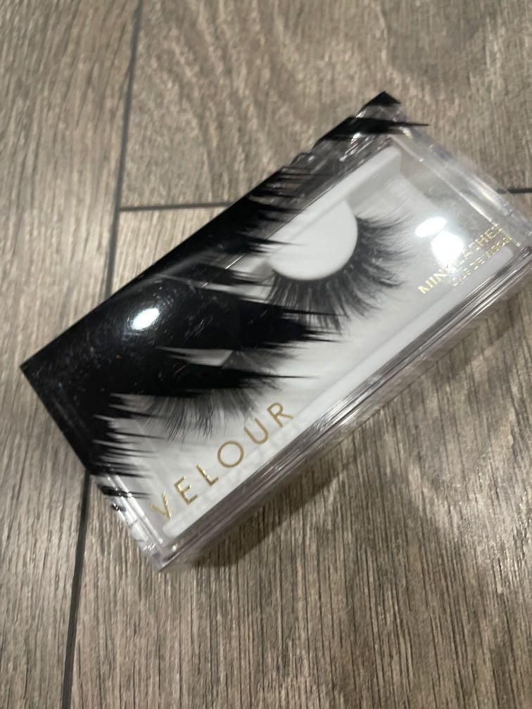 Velour she-e-o lashes