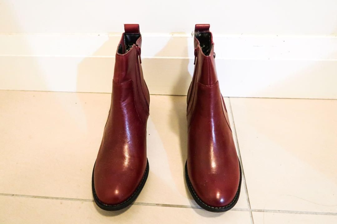 (7) Hush Puppies  boots