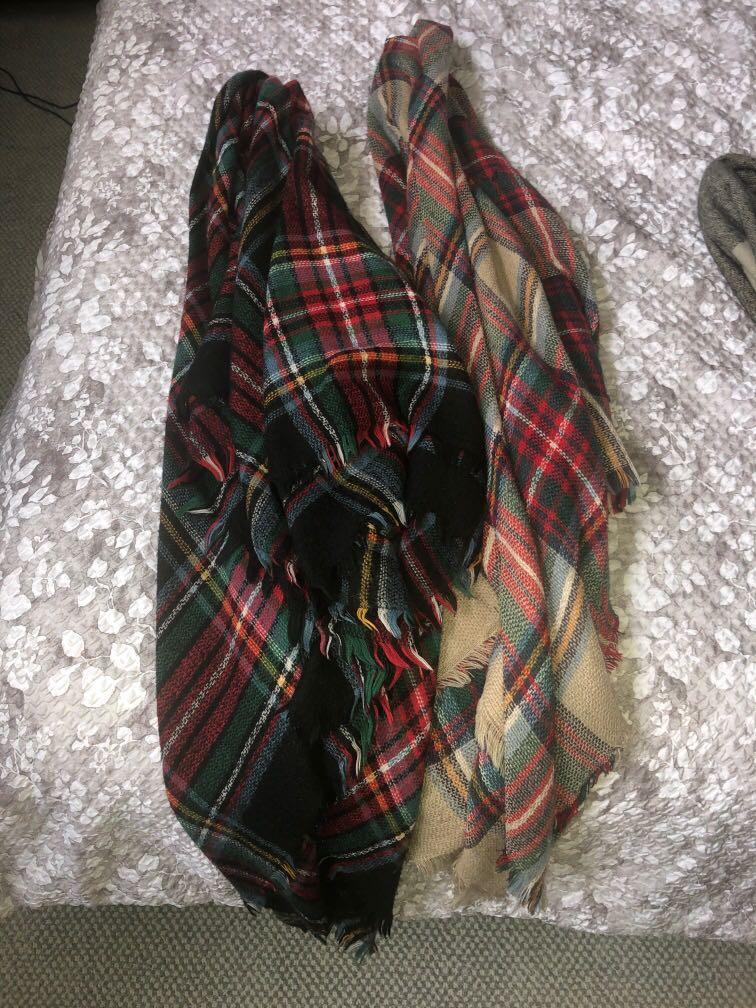 Blanket scarves (2)